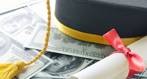 The federal government wants to make it easier for families to obtain student loans.